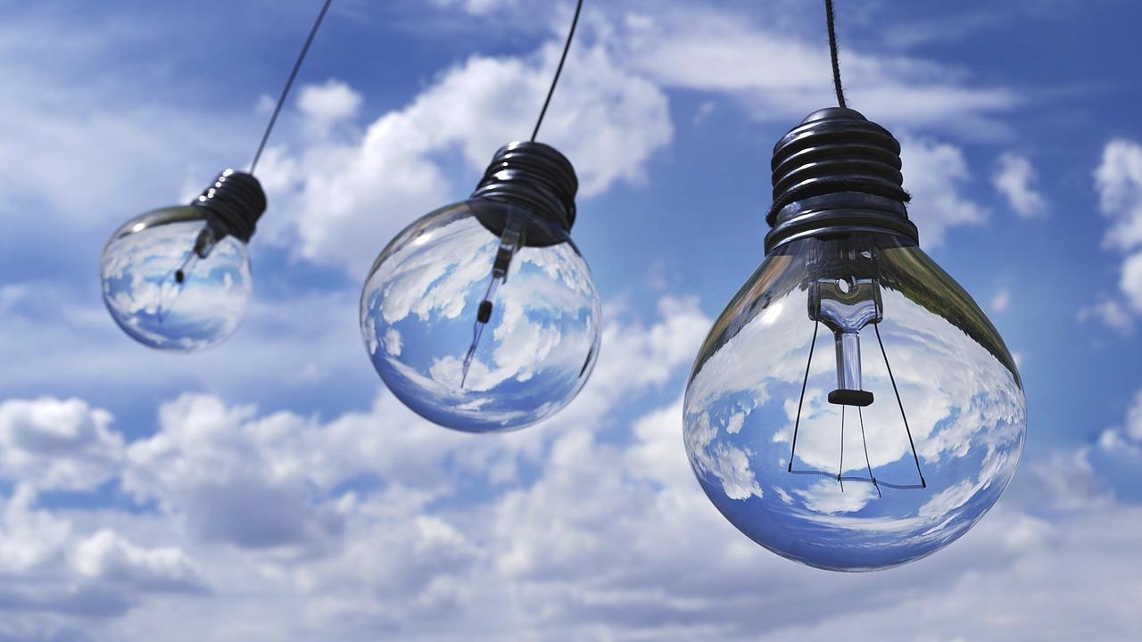 Light bulb 1407610 1280
